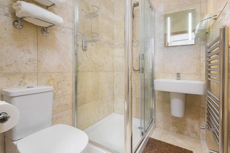 Room 3 - Ensuite Bathroom